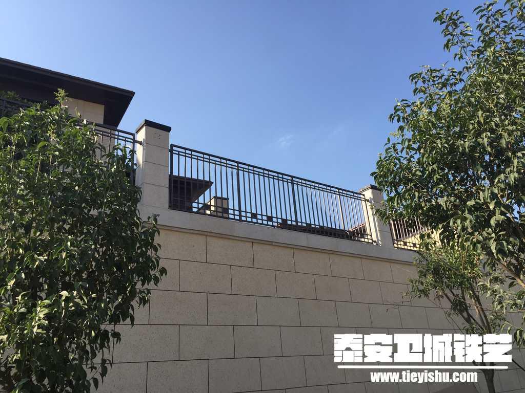 华润置地济南项目铁艺护栏实景拍摄