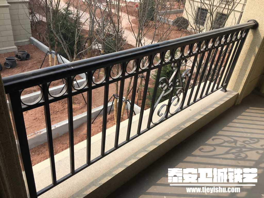 绿城集团新泰项目铁艺护栏实景拍摄