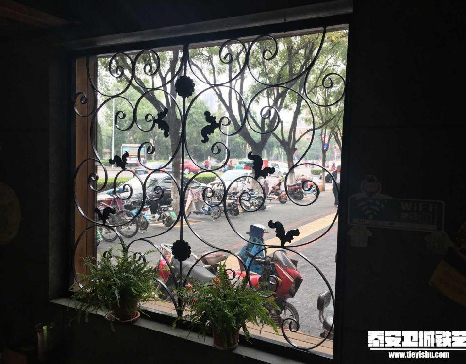 铁艺护窗THC201603(泰安咖啡店)