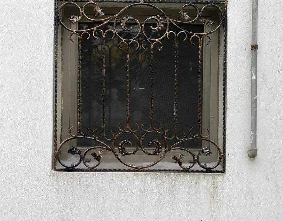 铁艺护窗THC201602-2(泰安奥林匹克花园)